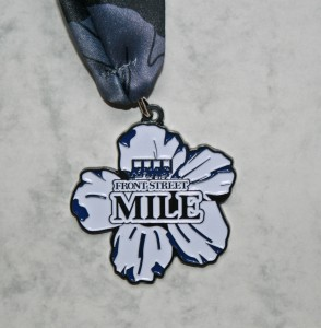 Finisher Medaille Bermuda Triangle Challenge 2015 / 1 Mile Rennen