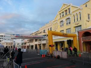Hamilton, Front Street - Start-/Zielbereich für Halb- und Marathon