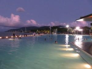 Cairns - Cairns Lagoon bei Dunkelheit