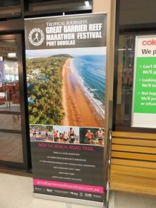 """Im Supermarkt - Werbung für das anstehende """"Great Barrier Reef Marathon Wochenende"""""""