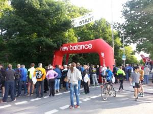 Halbmarathon – Rhein-Ruhr-Marathon Duisburg, 07. Juni 2015: Kruppstraße, vor dem Start