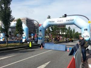 Halbmarathon – 21. hella hamburg halbmarathon, 21. Juni 2015: Startbereich auf der Reeperbahn