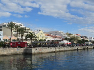Hamilton - Ausblick vom Hafen auf die Front Street