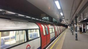 Die U-Bahn Richtung Wembley