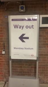 Der Wegweiser zum Wembley Stadion
