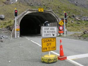 Ausflug nach Milford Sounds - Tunnel auf dem Weg nach Milford Sounds
