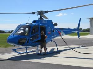 Helikopterflug nach White Island - Der Heli hat hunger und bekommt Futter