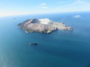 Helikopterflug nach White Island - Die Insel White Island aus der Luft