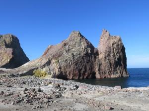 Helikopterflug nach White Island - Rundgang auf White Island, der Strand von White Island