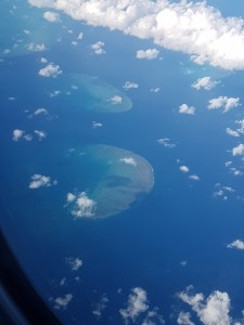 Flug von Cairns nach Brisbane: Riffe im Great Barrier Reef