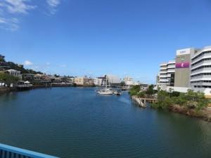 Fahrt von Cairns nach Airlie Beach: Townsville